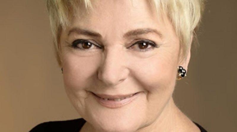 Claudia Lapaco